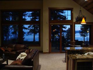 Luxury Lake VIEW Steps 2 Tahoe Beachfront Lakefront Wifi - South Lake Tahoe vacation rentals