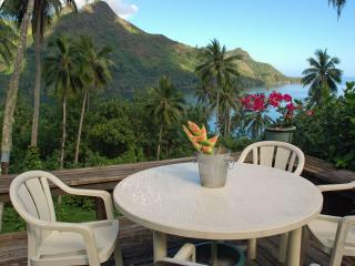 Private Villa on Bay, breathtaking views Ocean/Mts - Moorea vacation rentals