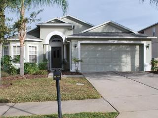 Pool/Spa/Internet/Games/5LEDTV/Gated 10min Disney - Davenport vacation rentals