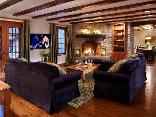 Tremblant Resort 8br Manor Indoor Private pool/Spa - Mont Tremblant vacation rentals