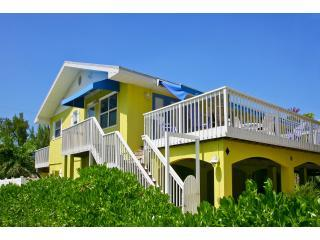 Berryfish Apartments. Gulf location! Sea Views! - Anna Maria vacation rentals
