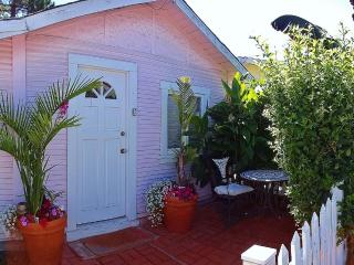 PrivatePleasurePt BeachCottage*Hottub*Wifi*dogsok - Santa Cruz vacation rentals