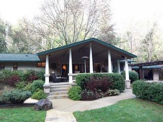Mill Creek Retreat - Secluded Gated Creekside Home - Healdsburg vacation rentals