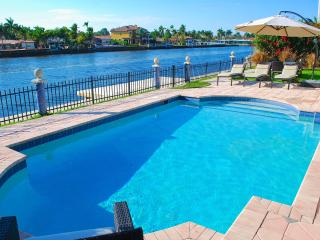 Casa Mar SPECTACULAR 4BR WATERFRONT HTD POOL BEACH HOME! - Lauderdale by the Sea vacation rentals