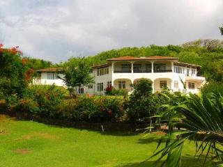 Acacia Villa - Spacious villa, well furnished, large pool, Jacuzzi & beaches nearby - Cap Estate vacation rentals