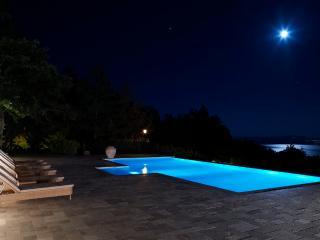 Villa Luna - Luxury Villa over Lago Trasimeno - Tuoro sul Trasimeno vacation rentals