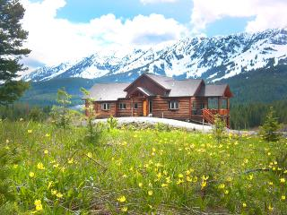 Perfect Location near Bozeman - Luxury Log Home - Bozeman vacation rentals