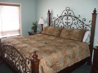 Kingston -2Br Villa Free WaterPark Access - Myrtle Beach vacation rentals