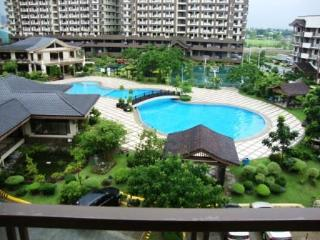 Rosewood Pointe 2B - Resort Amenities/Facing Pool - Taguig City vacation rentals