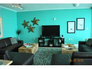 HUGE main room, 52 inch flat panel, two leather sectionals, wall of glass with view of Gulf - If Barbie Were Condo, This is IT! VaVaVoom Views! - Gulf Shores - rentals