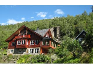 3 Bedroom Cabin near Flam Norway - Flåm vacation rentals