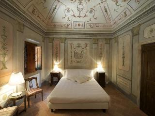 4 Bedroom Bed and Breakfast in the Hills of Chianti - Tuscany vacation rentals
