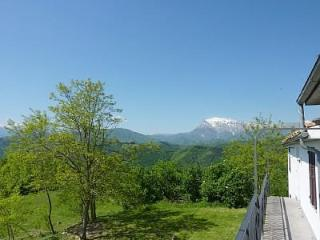 Castelfiorito Apartment -Spectacular Mountain View - Marche vacation rentals