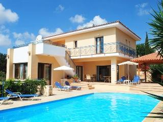 POSEIDON PRESTIGIOUS villa 4 bedm Very large pool - Paphos vacation rentals