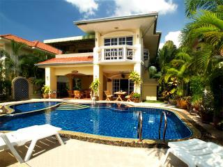 Luxury Villa with Private Pool and Car in Pattaya - Pattaya vacation rentals