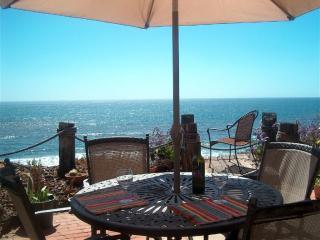 180 Oceanfront patio dining and relaxing views - Waterfront, Encinitas Oceanfront, on Neptune! 5ppl - Encinitas - rentals
