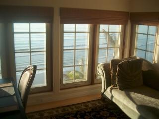 Oceanfront Luxury! 132 Beach, pool, jacuzzi - Encinitas vacation rentals