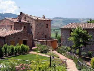 Amazing Hillside 2 Bedroom Apartment at Montepulciano - Montepulciano vacation rentals