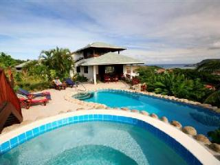 Villa Cadasse - Hilltop villa with spectacular views, pool & Jacuzzi - Cap Estate vacation rentals