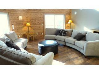 Spacious Living Room - Royal Gorge Valley Ranch - Canon City - rentals