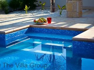 Comfortable House in Coral Bay (Coral Bay 3 BR, 1 BA House (Villa 18237)) - Coral Bay vacation rentals