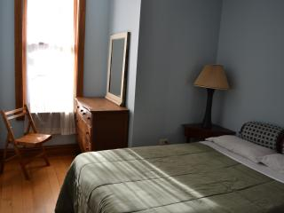 2 Bdrm Brownstone Home in Harlem, Manhattan - New York City vacation rentals