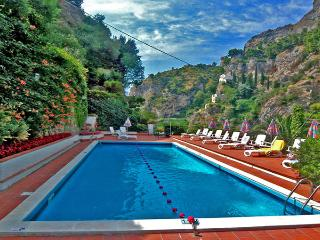 MAGNOLIA - 3 Bedrooms - Atrani - Ravello - Amalfi Coast vacation rentals