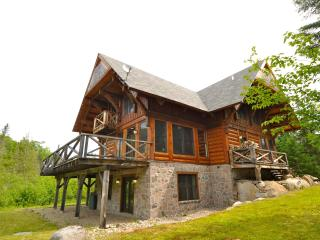 March Specials 5 bdr Log cabin Mont Tremblant - Mont Tremblant vacation rentals