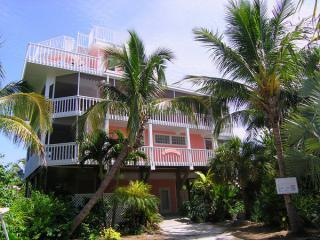 The Island Queen- Pool- Sleeps 8 - Captiva Island vacation rentals