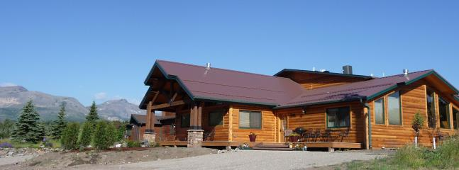 The Lone Elk Lodge- luxurious accommodations with spectacular views - Lone Elk Lodge Vacation Rentals - East Glacier Park - rentals