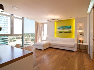 Seashell Apartment - Tel Aviv vacation rentals