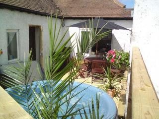 Secluded roof terrace with hot tub - Sunset Loft - Log Burner, Hot Tub & Pet friendly - Whitstable - rentals