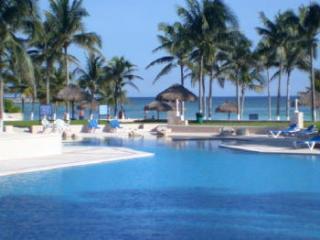 Villas del Mar condo beachfront pool - Villas del Mar 2 bedroom - Casita Coral - Puerto Aventuras - rentals