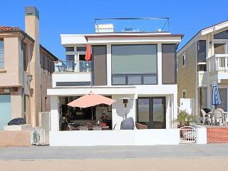 Beautiful 3 Bedroom Newport Oceanfront Condo! Come & Enjoy the Views! (68239) - Orange County vacation rentals