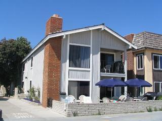 Great Oceanfront Upper Back 2 Bedroom Condo! Excellent Location! (68327) - Balboa vacation rentals