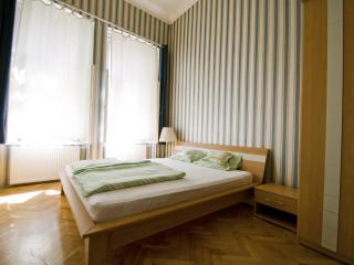 Budapesting's Opera Corner Apartment 2Be/2Ba - Budapest vacation rentals
