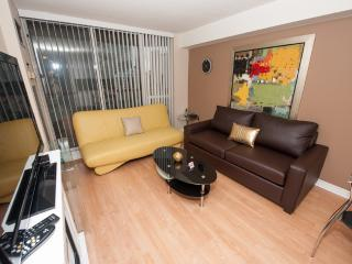 Canada Suites Toronto Furnished Apartments on Bay - Toronto vacation rentals