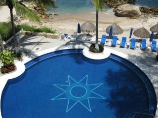Star pool view from Casa Maggy - Casa Maggy Luxurious Oceanfront 3 Bedroom S/Shore - Puerto Vallarta - rentals