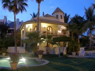 .night scene - VILLA DE LA TORRE/TRAVEL CHANNEL FEATURED - San Jose Del Cabo - rentals