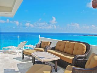Directly on the Ocean unit 371 - Cancun vacation rentals