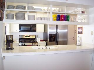 Kitchen Counter - Remodeled*Ski Squaw*Spa/Sauna*Backs to Open Space - Tahoe City - rentals