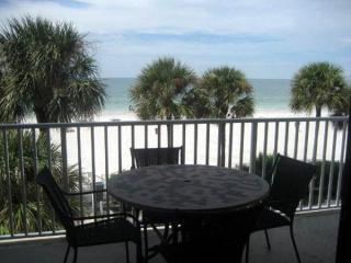 Sand Castle II -  HAS IT ALL!!!!!!!!! - Indian Shores vacation rentals