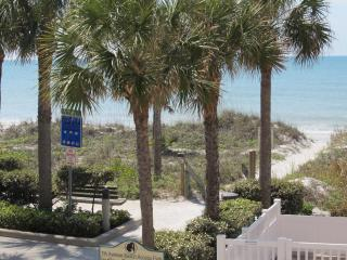 Gulfside Townhouse for a Relaxing Vacation - Indian Rocks Beach vacation rentals