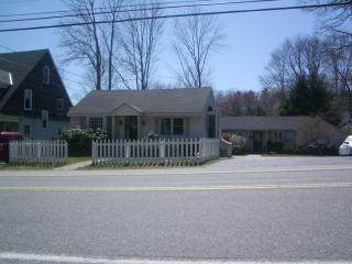 Shore Rd Apartments - Adorable one Bdrm Cottage Apartment - Casino Beach - Cape Elizabeth - rentals