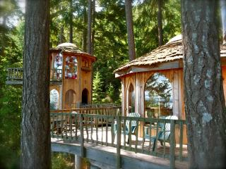 MAGICAL HOBBIT HOUSE...Unique, Peaceful, Beautiful - Orcas vacation rentals