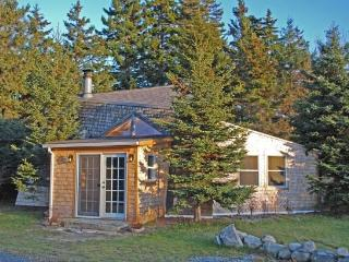 FORTY FOUR DEGREES NORTH COTTAGE - Town of South Thomaston - Spruce Head Island - Great Cranberry Island vacation rentals