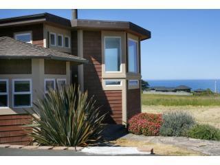 Front Entry to Ocean - Bodega Bay Bungalow - Bodega Bay - rentals
