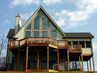 Dragonfly - 4BR Chalet-Hot Tub, Billiards, Fire Pit-FREE golf! - Swanton - rentals