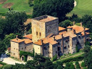 B&B Suite nel Castello - Sant'Elena vacation rentals