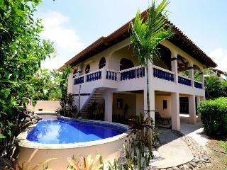 Casa Papaya con Leche beach front home with pool - Playa Negra vacation rentals